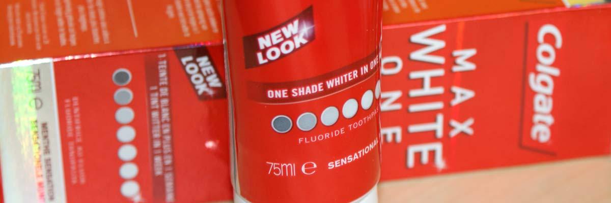 Tandpasta die aanslag verwijdert