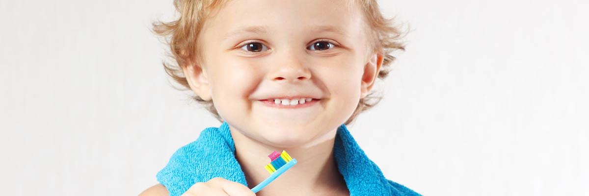 Hoe leer je kinderen het beste tandenpoetsen?