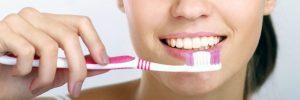 Een natuurlijke tandpasta zonder fluoride
